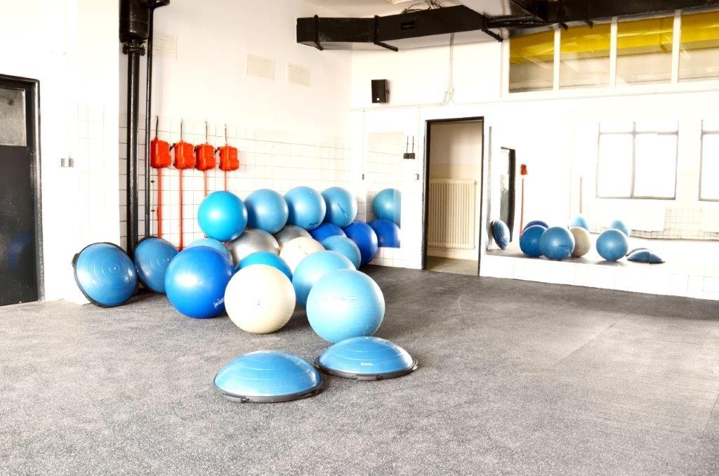 Skupinové lekce (2) - Fitness Kasárna Přelouč