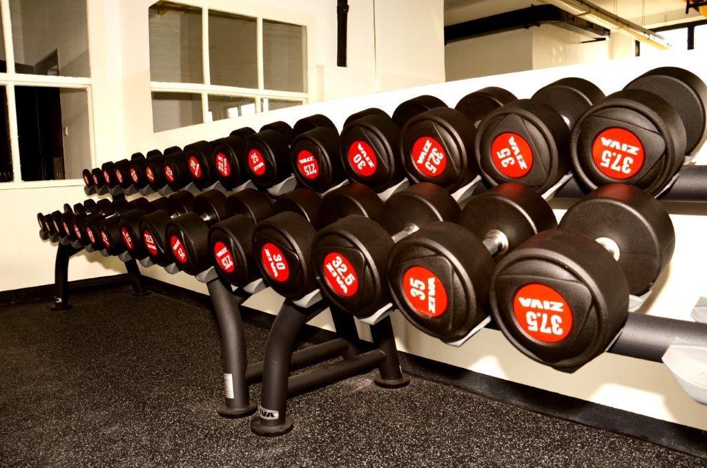 Volné váhy (3) - Fitness Kasárna Přelouč