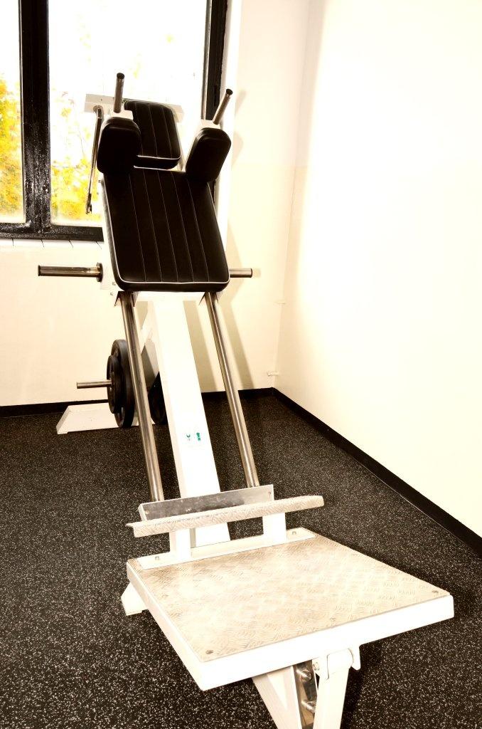 Volné váhy (4) - Fitness Kasárna Přelouč